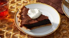 Double chocolate chess pie on Martha Stewart. Virginia Willis always brings a Southern touch to her baking. Here, she takes a traditional chess pie to decadent new heights with the addition of dark chocolate chips and cocoa powder. Chocolate Chess Pie, Dark Chocolate Chips, Chocolate Desserts, Craving Chocolate, Healthy Chocolate, Fat Bombs, Pie Recipes, Dessert Recipes, Dessert Ideas