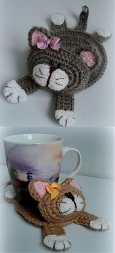 Amigurumi Crochet Cat Stand Under the Cup FREE Crochet Pattern Chat Crochet, Crochet Mignon, Crochet Home, Crochet Gifts, Crochet Kitchen, Crochet Doilies, Crochet Cat Toys, Knitting Projects, Crochet Projects