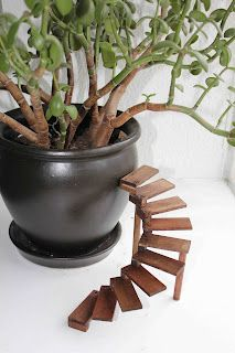 Dollhouse Spiral Stairs