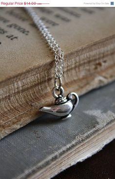 Cute- wonder if a genie is in my future! Genie In A Bottle, Genie Lamp, Aladdin Lamp, Disney Jewelry, Wedding Accessories, Jewelery, Arrow Necklace, Geek Stuff, Bling