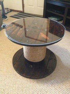 Mesa carretel ratona con vidrio