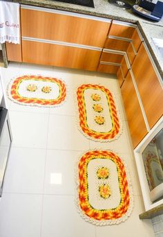 Conjunto de tapetes para cozinha em crochê Bath Mat, Cube, Kids Rugs, Home Decor, Circular Needles, Kitchen Playsets, Flowers, Bags, Tricot