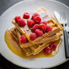French toast and waffles come together in beautiful harmony with this genius recipe idea. The bread crisps up to a golden brown so similar to a waffle you can barely tell the difference. Brunch Recipes, Breakfast Recipes, Dessert Recipes, Breakfast Club, Breakfast Ideas, Desserts, French Toast Waffles, Fish Pie, Waffle Iron
