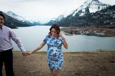 Waterton National Park Maternity Session | Azra & Oak   #maternityphotos #maternity #waterton #watertonnationalpark #canada #photography