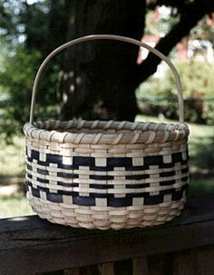Classic Round Basket- by Deborah Blair.  Free Pattern from the Pattern Exchange.