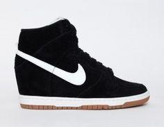 Nike Dunk Sky High Ruskind Sneakers med Kilehæl - Dame - Sort Hvid Gum
