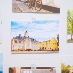 Daydreaming in North Europe-Postcard (1)  <Behind story> The house is in Porvoo. Porvoo is a second old city in Finland. Let`s spends time to enjoy lake view, colorful houses and Totuomiokirkko church if you`re in Finland. I think you`d enjoy in there.  <Introduction> Size:around 9.5cm x 14cm  Weight : 240g Art paper Made in Hong Kong
