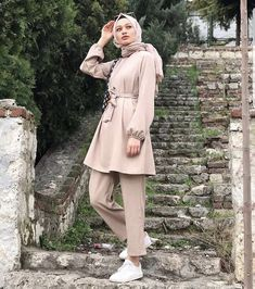 Casual Hijab Outfit, Hijab Chic, Hijab Hipster, Hijab Fashion, Fashion Outfits, Modest Outfits, Ootd, How To Wear, Clothes