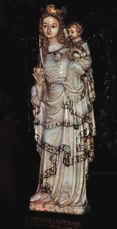 Nuestra señora la Blanca, conservada en la iglesia de Huarte (Pamplona). Escultura gótica, primera mitad del siglo XIV