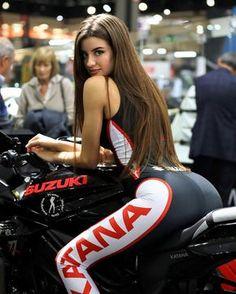 Suzuki Katana Mädchen - MOTORCYCLE - bmw yamaha for women gear girl harley tattoo Katana Girl, Dirt Bike Girl, Lady Biker, Biker Girl, Motard Sexy, Motorbike Girl, Mädchen In Bikinis, Grid Girls, Biker Chick