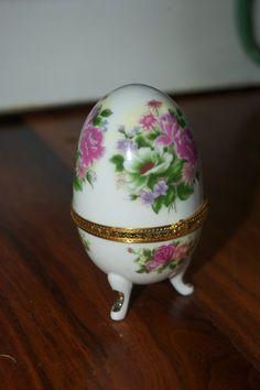 Egg shaped trinket box by SummerLandFarm on Etsy, $9.99