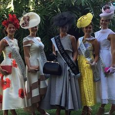 Race day attire, races dress, races outfit, fascinator, hatinator, Melbourne cup, Caulfield cup, Ascot, Derby day, Spring racing attire