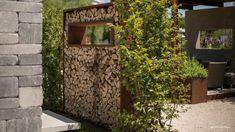 Dieser besonders dekorative und individuell gestaltbare Sichtschutz lässt sich einfach und funktional mit Kaminholz befüllen. Weitere Infos hier. Firewood, Outdoor Structures, Garden, Blog, Wooden Storage Sheds, Landscaping Ideas, Home And Garden, Simple, Woodburning