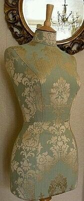 Sewing Vintage Decoration Dress Form Ideas For 2019 Mannequin Art, Dress Form Mannequin, Vintage Mannequin, Vintage Dresses, Vintage Outfits, Mannequins, The Dress, Dressmaking, Boutique