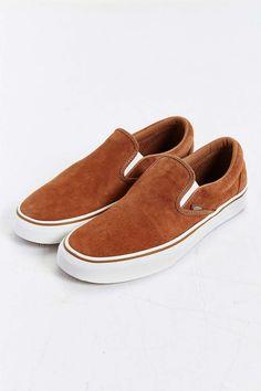 a2170d60640c66 Vans Classic Suede Slip-On Sneaker