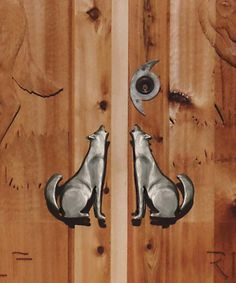 Door Pull - Howling Wolf w/ Crecent Moon - HH264