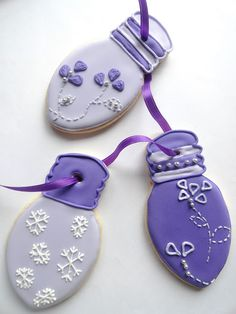 Christmas Lightbulb Cookies from Pink Little Cake.  How cute!