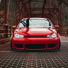 Classic Car News Pics And Videos From Around The World Golf Mk4 R32, Vw R32, Vw Motorsport, Slammed Cars, Golf 4, Volkswagen Group, Vw Cars, Futuristic Cars, Sport Cars