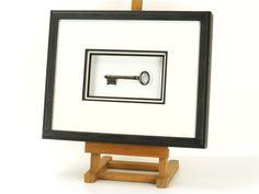 Encadrement d'une clé ancienne - Clé du bonheur - Clé du paradis - Décoration murale - Antiquité - Création unique - Artisanat d'art - Clef