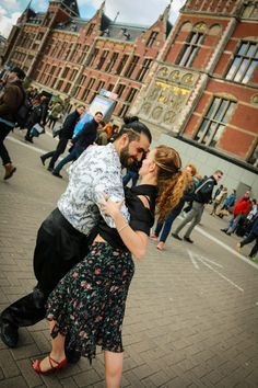 Private tango lessons: Beginner or intermediate level, designed to have a beautiful experience while you learn tango basics.