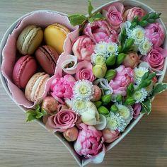 Paper Flower Decor, Flower Crafts, Flower Decorations, Paper Flowers, Gift Bouquet, Candy Bouquet, Flower Box Gift, Flower Boxes, Modern Floral Arrangements
