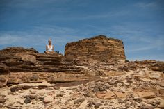 Yoga & Meditation In The Sinai Desert (Gorgeous Photos)