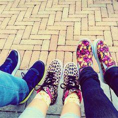#backtoschoolshopping  ! Anche noi #genitori torniamo a #scuola tra qualche giorno!!! Quindi è la scusa buona per approfittare delle offerte #backtoschool all' #outlet di #castelromano : #scarpenuove per tutti tanto per cominciare ! E dato che vogliamo tornare bambini le abbiamo indossate tutti subito dopo l'acquisto . Comunque io e Giulia ci distinguiamo per sobrietà eh ! . . #everydaylife #lifestyle #familypic #instafamily #foot #footwear #vans #vansshoes #adidas #adidasshoes #familylife…