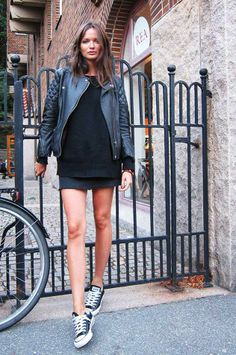 Vypadá basic-black-bunda-kůže-vzhled-of-all-star-trend-vzhled-s-boty