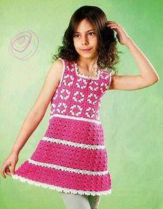 Детская туника с цветными квадратами.