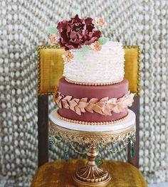 Marsala Wedding Cake Inspiration 07