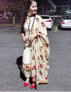 Inquiries️ nivetasfashion@ nivetas design studio we ship worldwide made to measure inquiries️ nivetasfashion@ high end designer outfits punjabi suits. Designer Salwar Kameez, Designer Kurtis, Designer Dresses, Salwar Designs, Patiala Suit Designs, Kurti Designs Party Wear, Patiala Dress, Patiala Salwar Suits, Punjabi Dress
