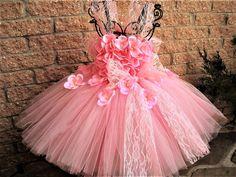 FLEURS ROSES avec DENTELLE - Robe Tutu Rose - Bébés 3-24 Mois : Mode Bébé par elsa-sieron