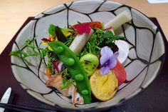 Modern kaiseki restaurant in Tokyo called Den Top Recipes, Indian Food Recipes, Asian Recipes, Ethnic Recipes, Cantonese Food, Tokyo Restaurant, Asian Soup, Western Food, Steamed Buns