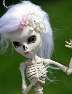 """Monster High OOAK - """"Dahlia"""" - Skelita Calaveras"""