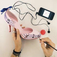Wedding shoes ♥ Bride shoes ♥ Sapato de noiva ♥ #lapupa #bride #weddingshoes #shoes #handmade #handpainted #bride #vestidodenoiva #art #artshoes #brideshoes #weddingshoes #noiva #sapatodenoiva #wedding #inspiration #design #designshoes #bridal #bridalshoes #casamento #sapatos #sapato #pic #fotografia #photografy #savethedate #studio #studiolapupa #music #musica www.lapupa.com.br