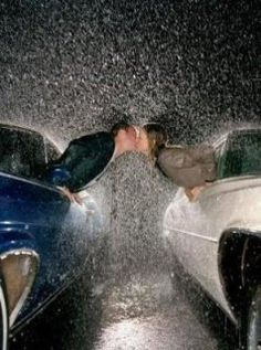 """kissing in the rain. cute idea for engagement/save the date photo. """"We're getting married, come rain or come shine"""". Great idea for one getting married. Engagement Pictures, Wedding Pictures, Wedding Ideas, Kissing In The Rain, Couple Kissing, No Rain, Before Wedding, When It Rains, Foto Art"""