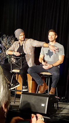 "oh boys ♥◡♥ (▰˘◡˘▰) CREDITS BY @FangasmSPN on Twitter: "".@JensenAckles: ok @jarpad, that's a little too much coverage... #spndallas #Dallascon 2016 #Supernatural Convention 
