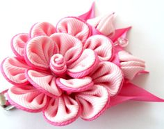 Kanzashi fabric flower hair clip. Apple green and pink. by JuLVa