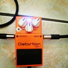 Boss DS-1 with Keeley ultra mod + seeing eye mod by Dr. Calavera.