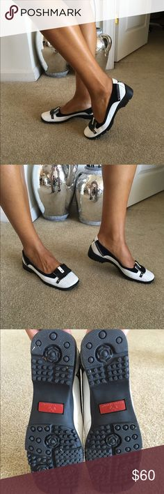 Lady Golf Shoes women's golf shoe Black and White Women's Golf shoes. Great grass traction, worn on turf 18 holes only Linea Stretch Shoes Athletic Shoes