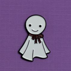 In Japan, the teru teru bozu (てるてる坊主) is a symbol and a charm that brings good weather and prevents rainy days. They love being outside and can be seen hanging from windows in Japan.  It is the perfect gift for those who love sunny weather or cute ghost lovers  Size: 1 inch enamel pin with a butterfly backing  All rights reserved. © wilim creative 2013 Illustrations may not be altered or copied without prior permission from wilim creative.