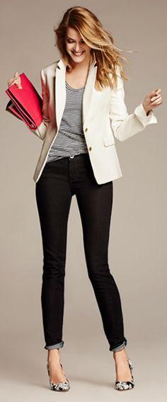 O blazer e o scarpin são os complementos certos para deixar qualquer jeans com mais cara de trabalho! ;)