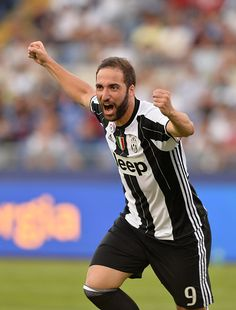 Gonzalo Higuain celebrates afte goal 10 during the Italian Serie A football match between SS Lazio and FC Juventus at the Olympic Stadium in Rome on...