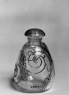 René Lalique (1860-1945). Capricornes bottle with stopper. 1912. Glass. The Metropolitan Museum of Art - New York - USA