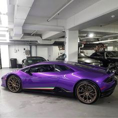Lamborghini Huracan Performante painted in Viola Parsifae w/ Tricolore stripes along the doors Photo taken by: @manny416 on Instagram