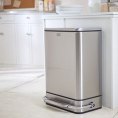 simplehuman® Steel Bar Step Trash Can-Brushed Stainless Steel - The simplehuman® Steel Bar Brushed Stainless Steel Step Trash Can features a streamlined design which looks great anywhere. The strong all-steel p. Kitchen Trash Cans, Kitchen Utensils, Kitchen Gadgets, Kitchen Appliances, Stainless Steel Kitchen, Brushed Stainless Steel, Small Apartment Organization, Organizing, Trash And Recycling Bin