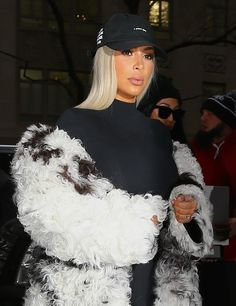 Is Kim Kardashian trying to look like Taylor Swift so that Kanye West will want her instead of T-Swift?