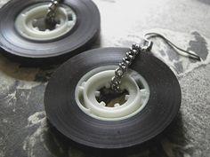 recyclez vos vielles cassettes audio et boucles d'oreilles originales