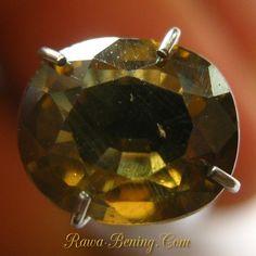 Batu Permata Zircon Alami Brownish Yellow Oval Cut 2.29 carat