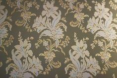 Vintage wallpaper with flowers. / Vintage-tapetti kukkakuvioilla. www.valaistusblogi.fi Vintage Decor, Vintage Fashion, Lighting, Wallpaper, Antiques, Flowers, Blog, Home Decor, Homemade Home Decor